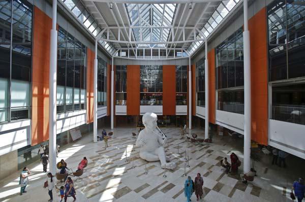 Lobby of the Fortis Memorial Hospital