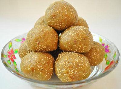 Ladvo Gujarti Sweets