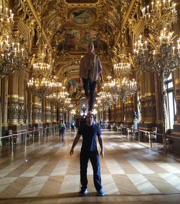 Circus Artist Couple at opera garnier