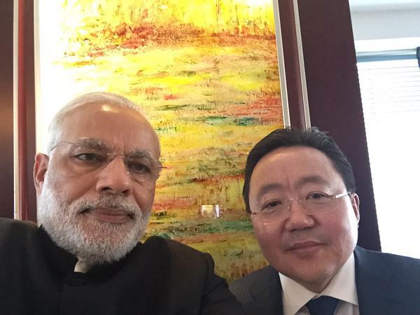 Narendra Modi selfie with Tsakhiagiin Elbegdorj