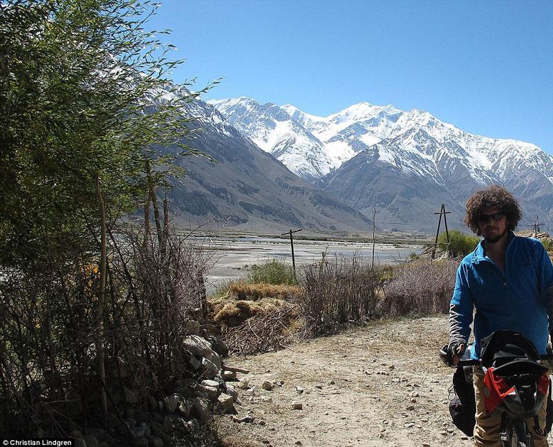 Unusual Traveller Biking around tadjikistan