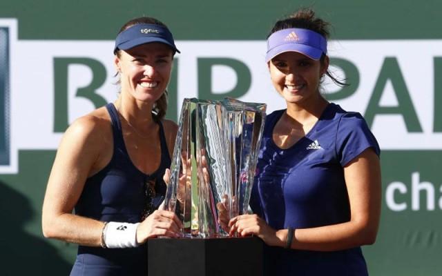 Sania mirza and Martina Hingis rank 1