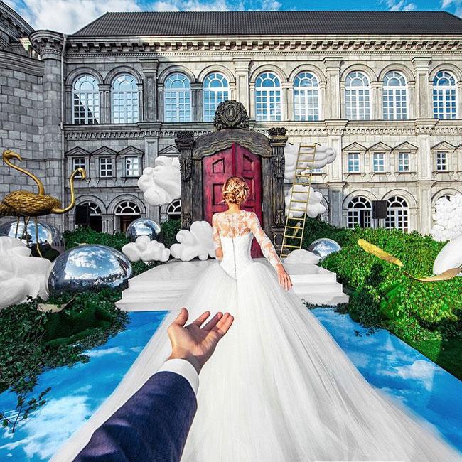 #FollowMeTo couple Honeymoon pIctures