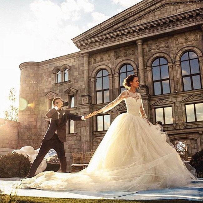 #FollowMeTo couple Wedding pIctures