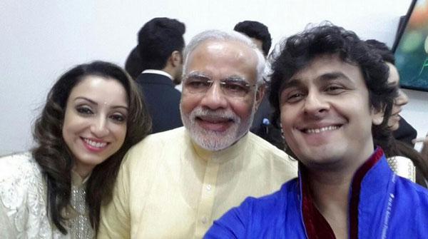 Narendra Modi Sonu Nigam Madhurima Selfie