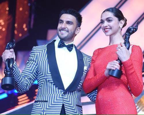 Ranveer SIngh and Deepika Padukone Filmfare awards