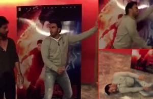Ranveer Singh paying a fan tribute to SRK